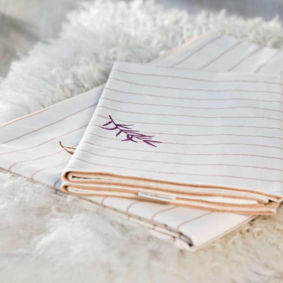 Bio Wendebettwäsche mit zarter Blume Motiv aus 100% Bio-Baumwolle handbedruckt